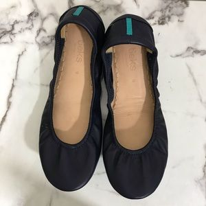 Tieks navy blue ballet flats in excellent shape 9